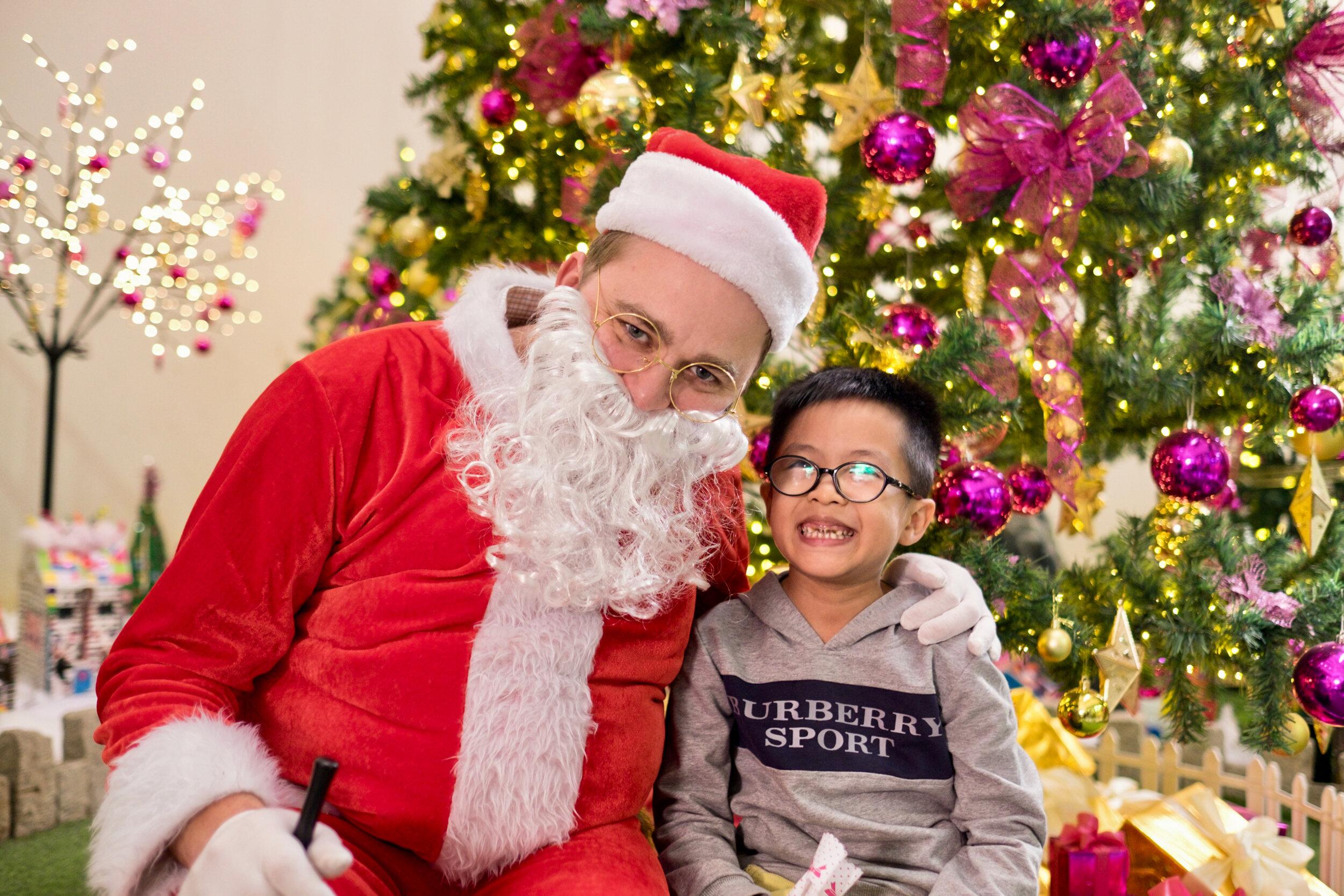 Photoshoot with Santa Clause-847.jpg