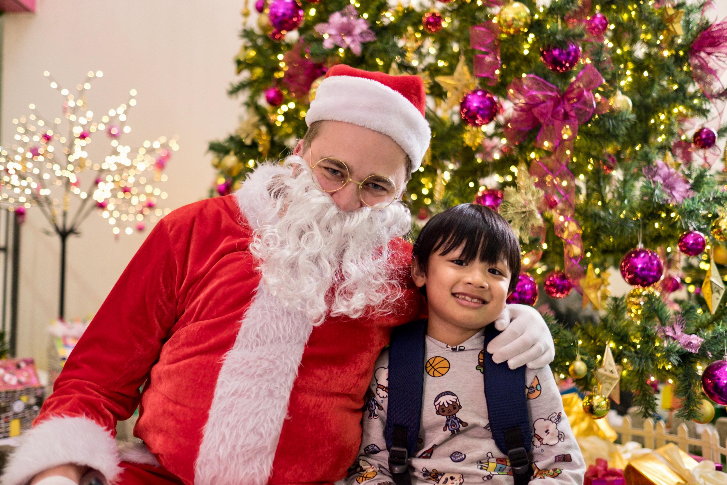 Photoshoot with Santa Clause-919.jpg