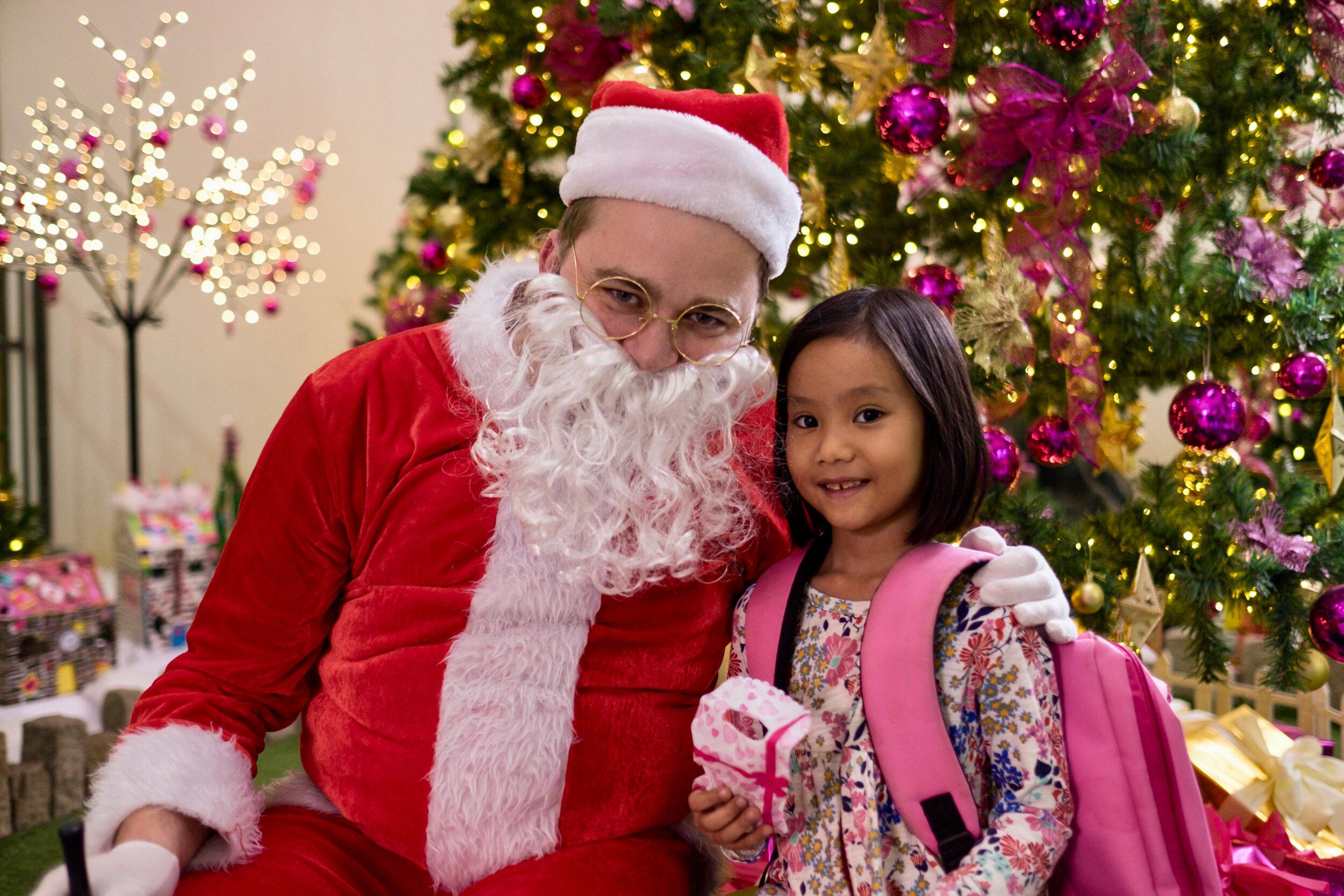 Photoshoot with Santa Clause-906.jpg