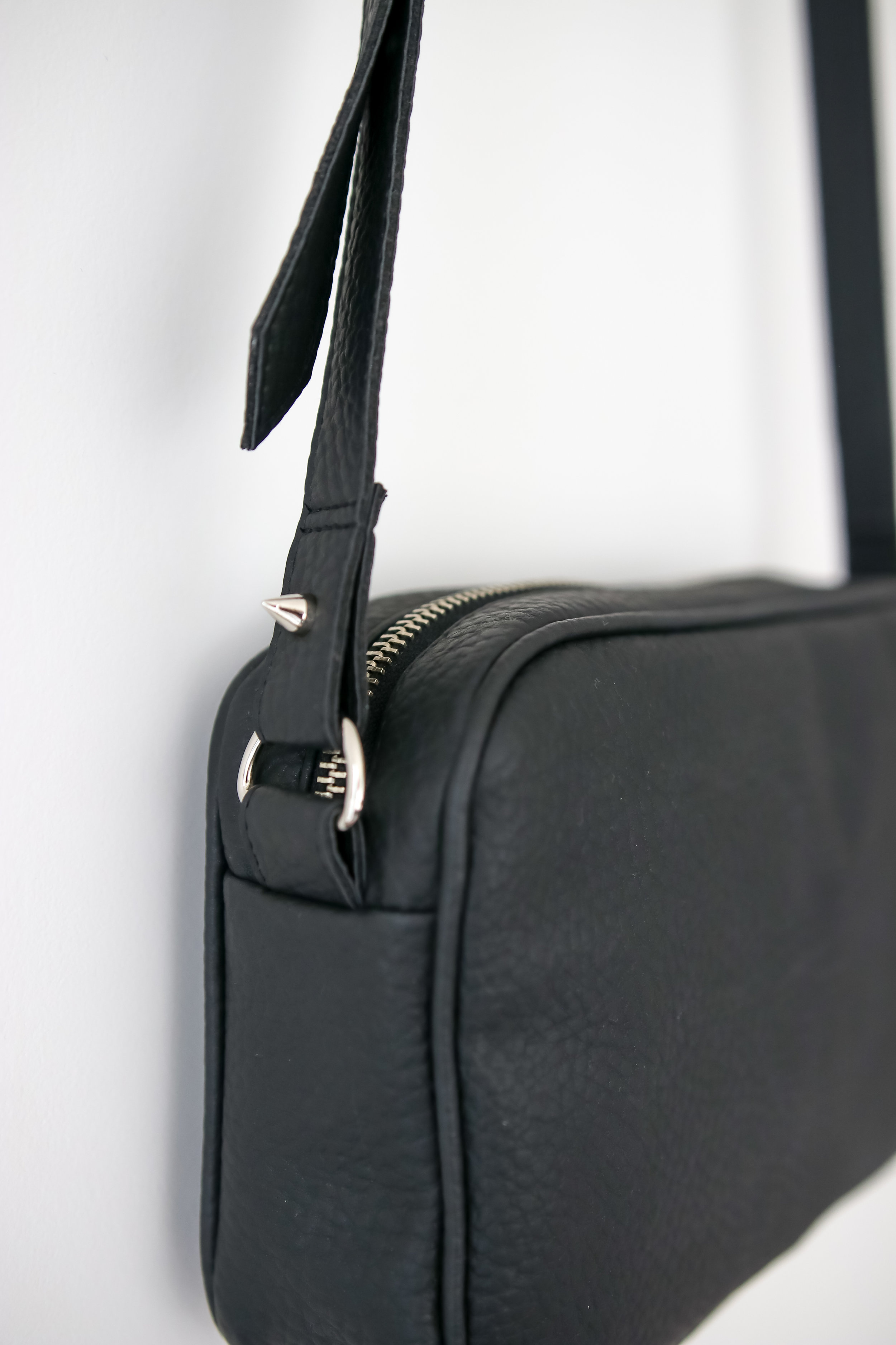 Winona Vegan Leather Crossbody Bag Velvet Heartbeat