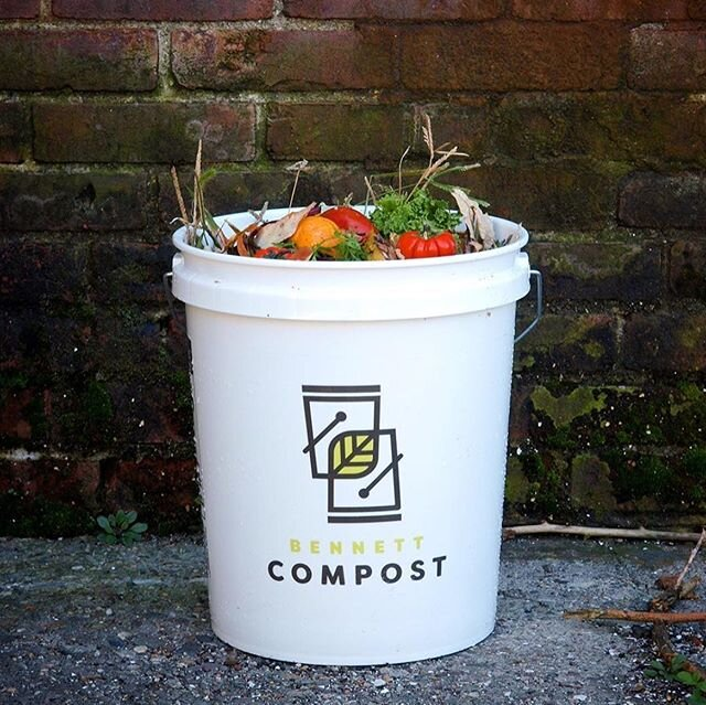 Compost 101: this Thursday, 5/28 from 1pm-2pm ET! 🍅🥬🍌 Tim Bennett of @bennettcompost will take us through the basics of composting, give pointers on various ways to get started (now and after pandemic restrictions begin to lift), and answer your most pressing compost questions.Register for this free virtual #GreenQuarantine session through the link in our bio!#compost #urbancomposting #broadwaygreen #sustainability #zerowaste #greenliving #bennettcompost #bennettbucket