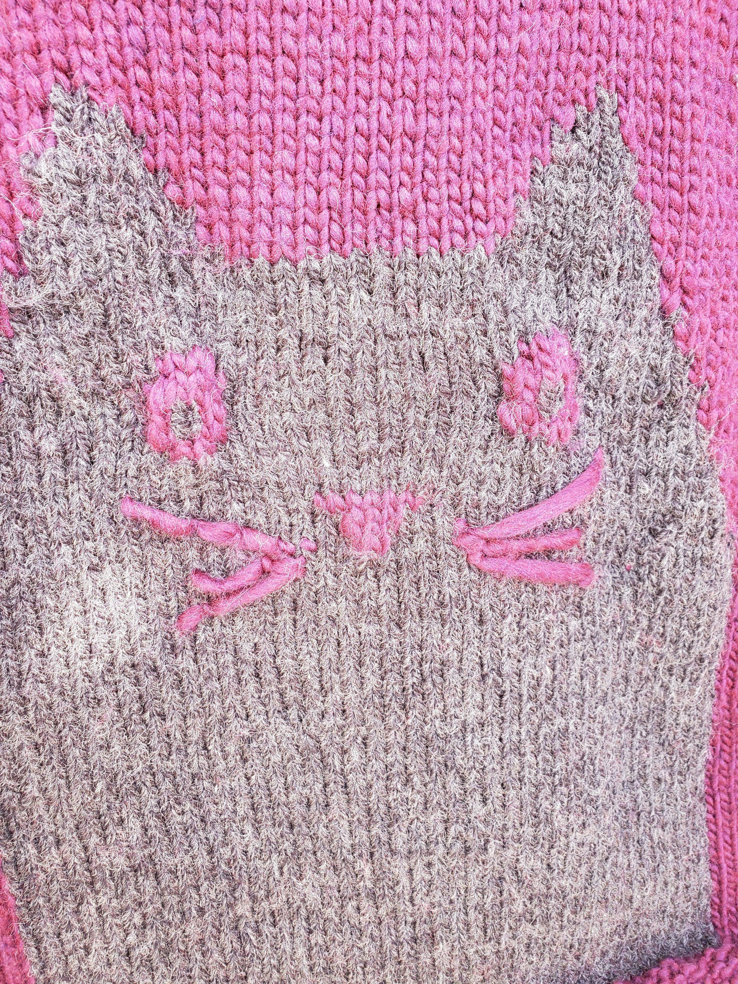 Ravelry: Cat motif set pattern by Jennie Faith   1333x1000