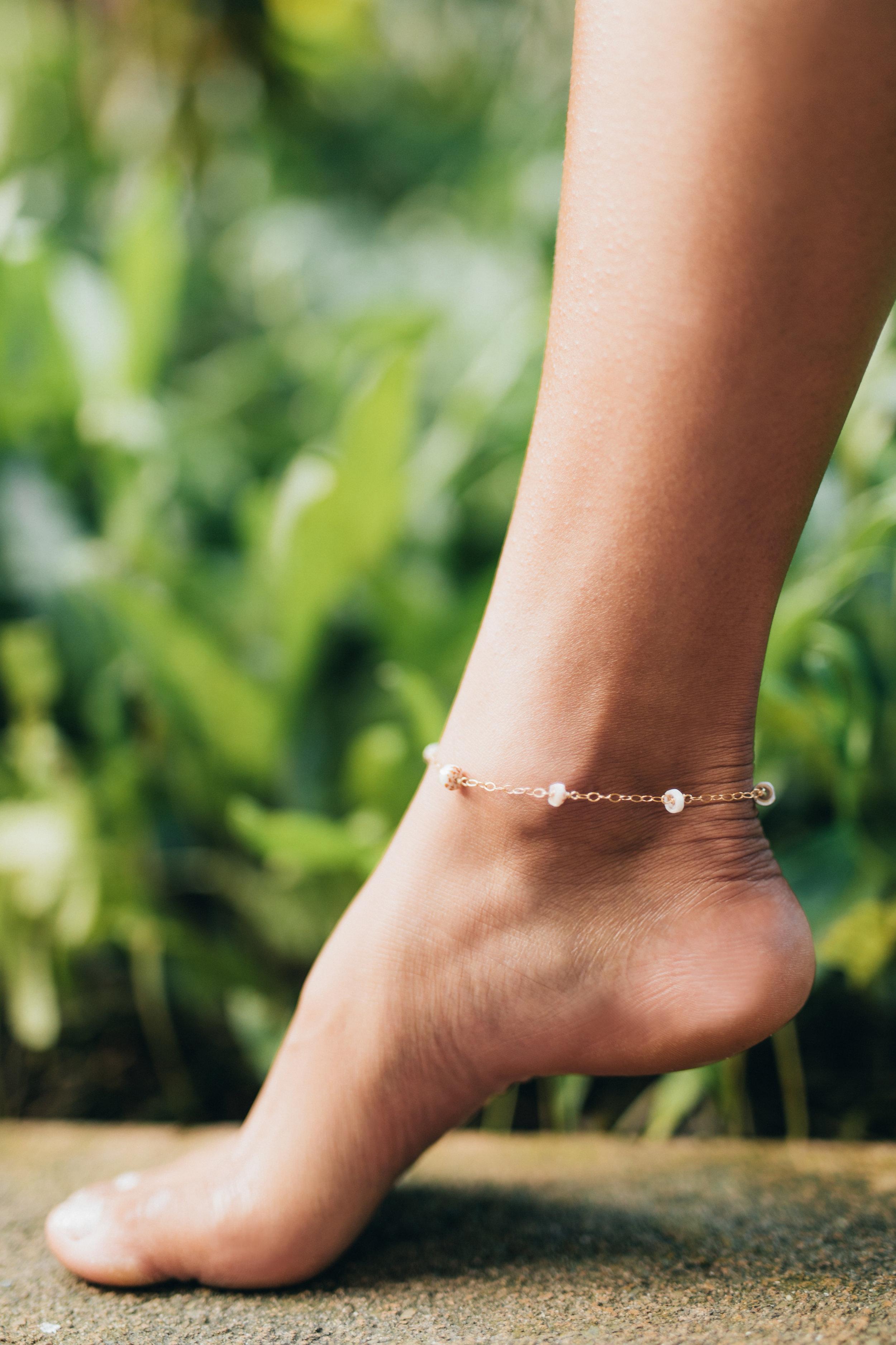 Mini Puka Shell Chain anklet — [ki-ele]