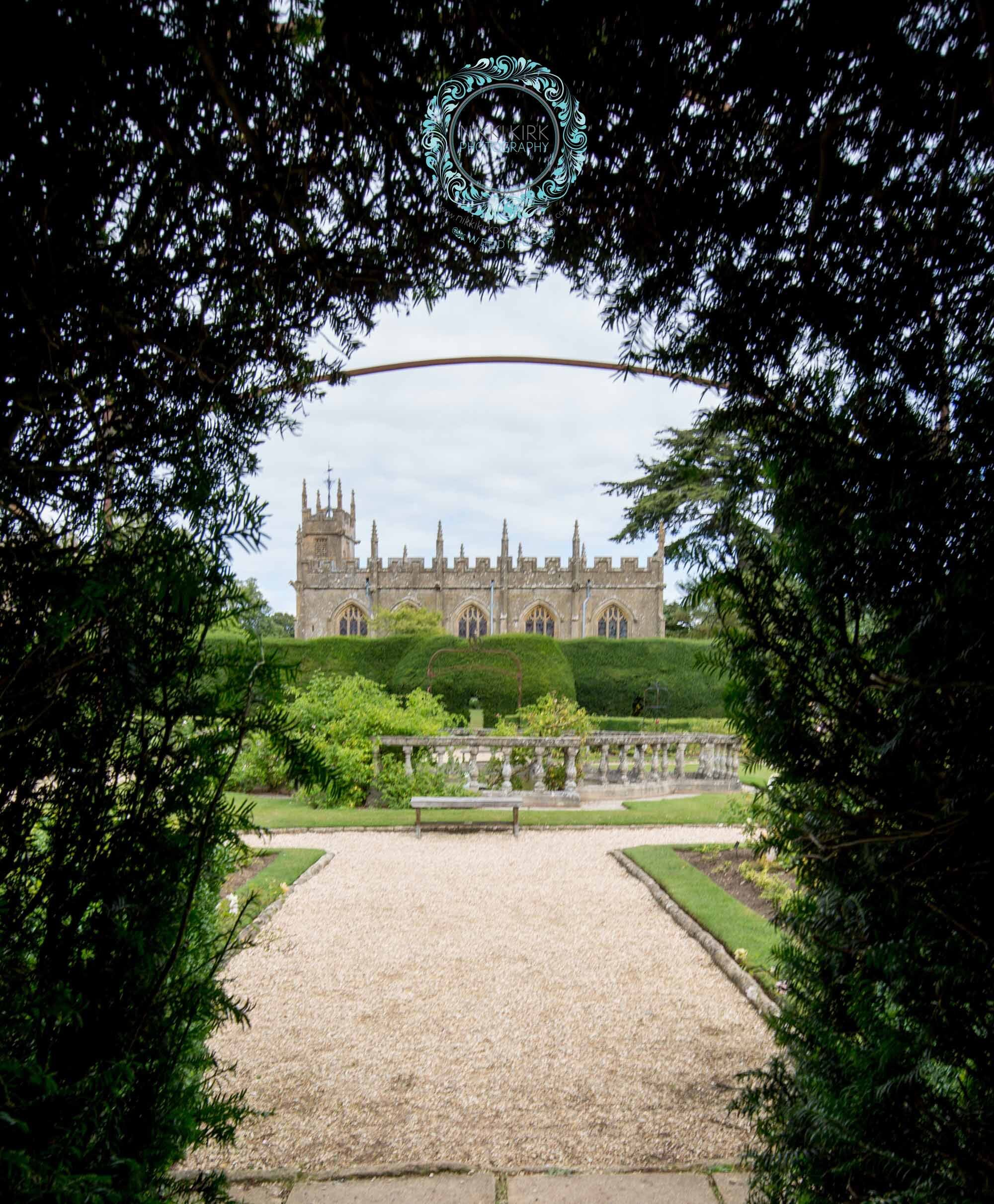 Sudeley-Castle-Cotswolds-婚礼奖-获奖-婚礼策划师-Perfect-Perfection-02a.jpg