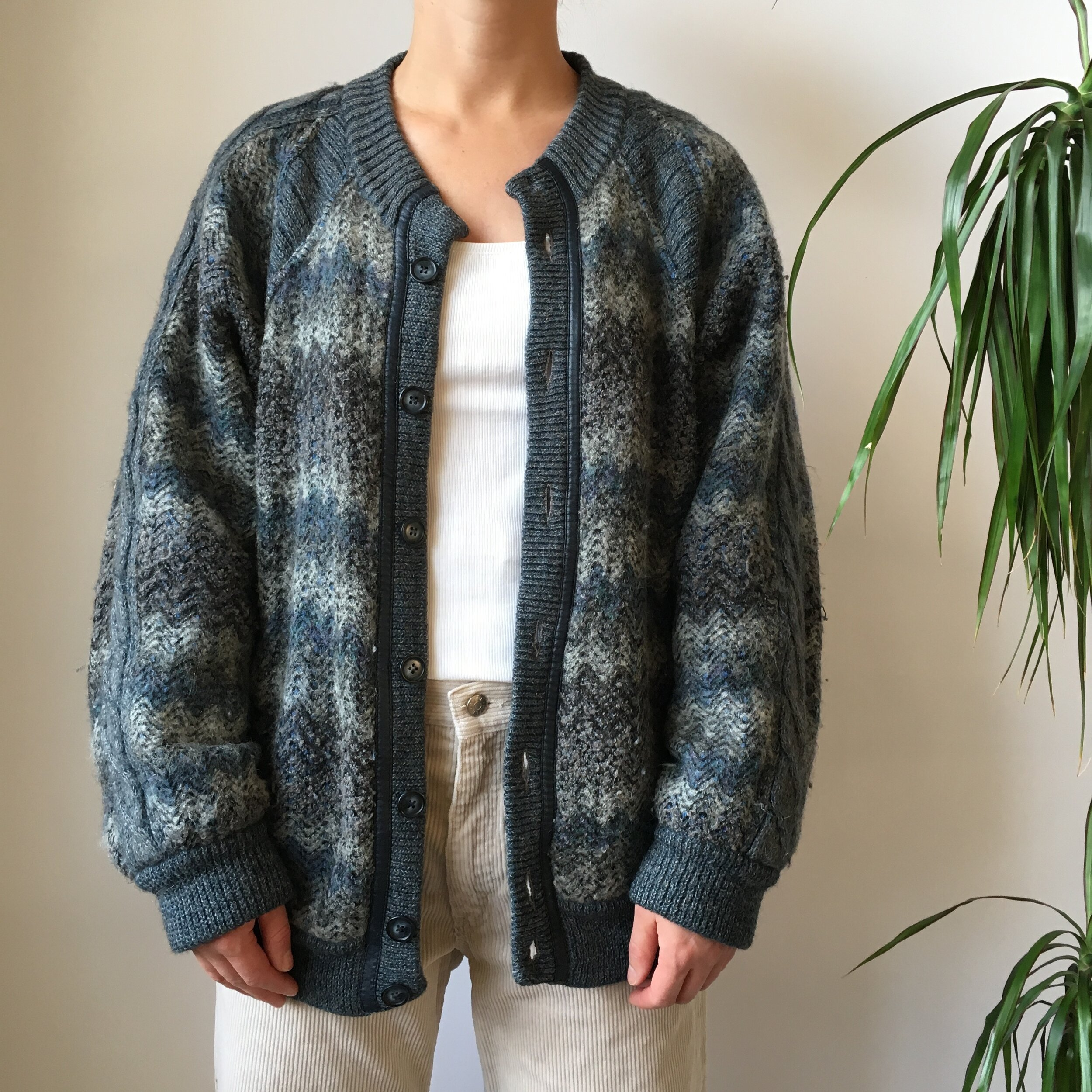 French vintage bed jacket mohair wool blend sweater night cardi gift warm ecru gift for the bride Mad Men style handmade in France 1960s NOS