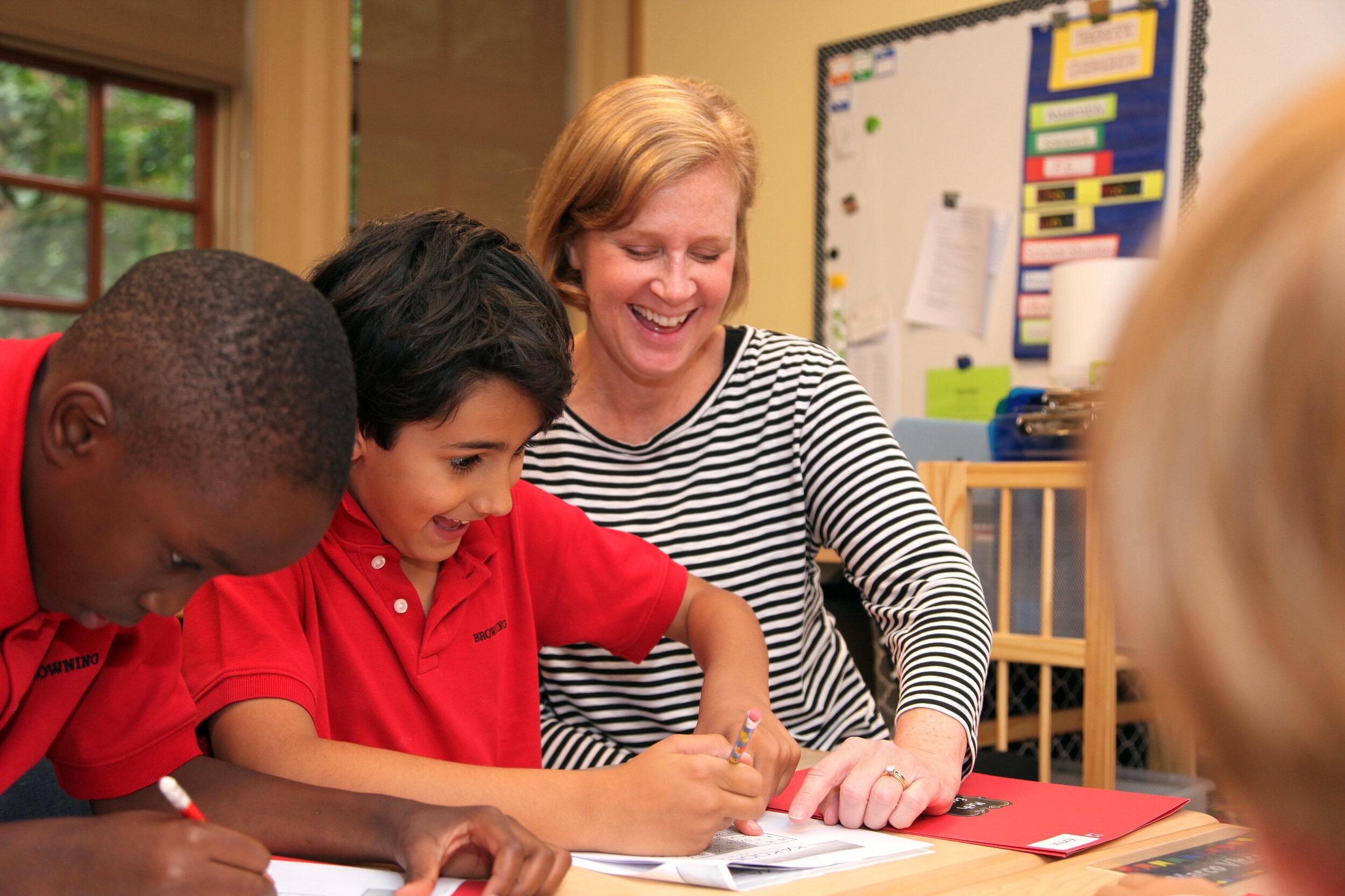 低年级学校-低年级学校向小学年龄365bet体育孩介绍了布朗宁的使命的一个组成部分:终身热爱学习.Learn More