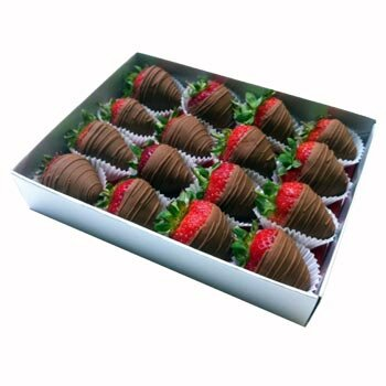 Milk Chocolate Gift Box Chocolate Strawberries Chocolate Lovers Box Strawberry Gift Box Uk Edible Arrangements Fruit Bouquets Gifts Selections Uk Delivery