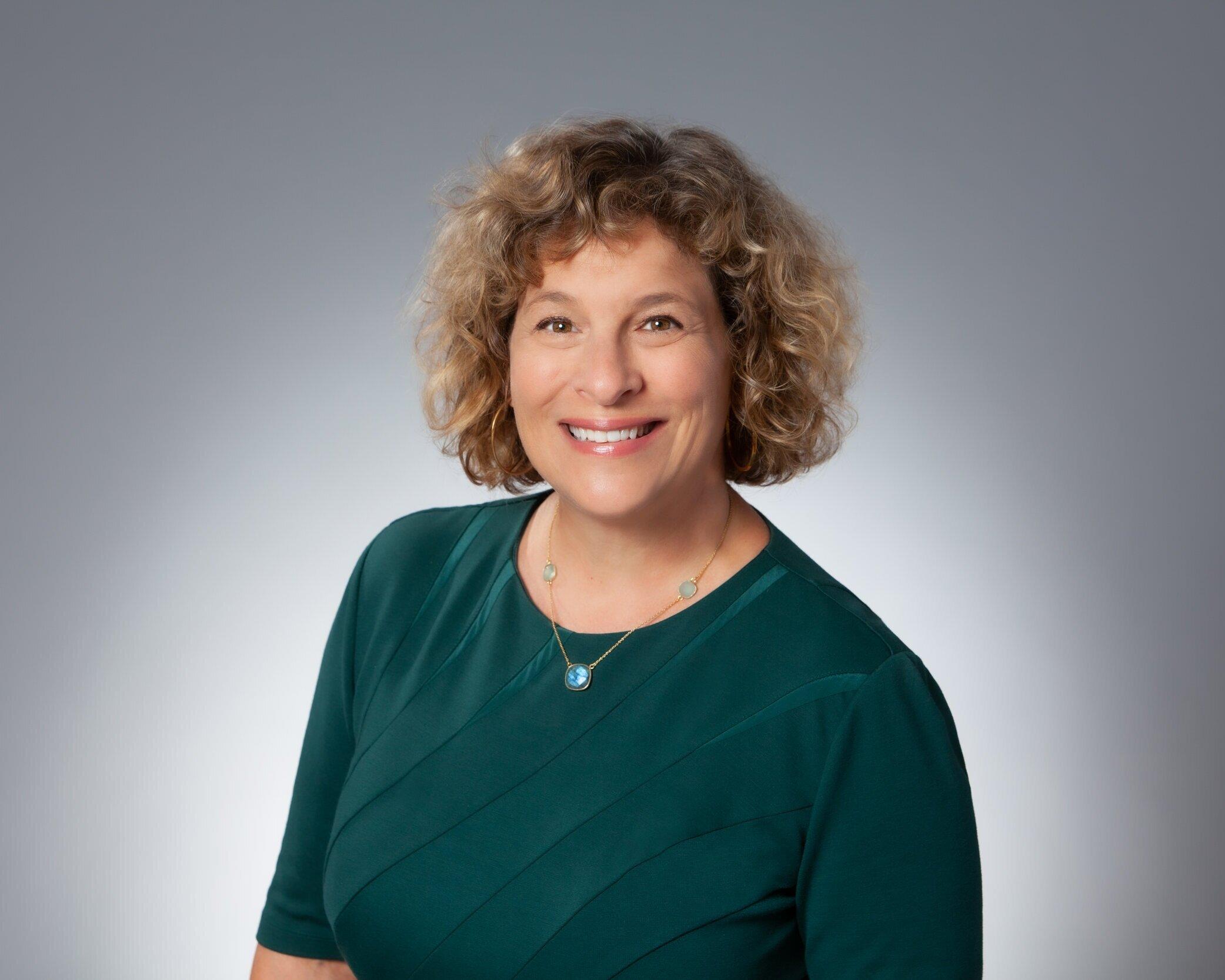 Heidi GantwerkHeidi是HG咨询集团的创始人和负责人, LLC, 具有战略规划和民间参与方面的专业知识.