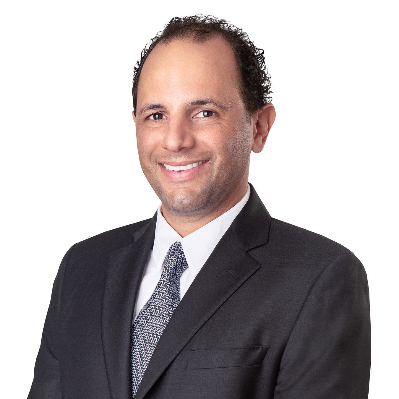David MichanDavid是SDJA的校友和现任家长. 自1985年以来,SDJA一直是大卫家庭的一部分,是教导和保护米干家族犹太人生活的基金会. 作为董事会成员,David期待着给fu…