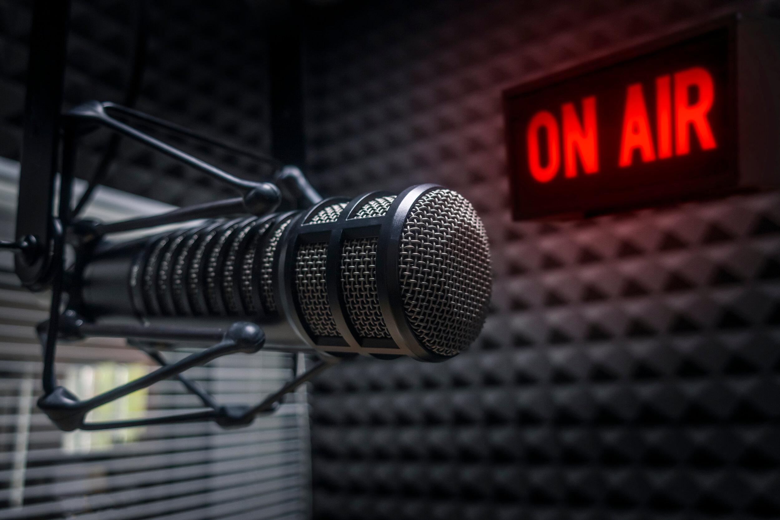 学生电台-学生制作的节目 & 今天夏洛特最好的学生广播电台的最佳音乐组合