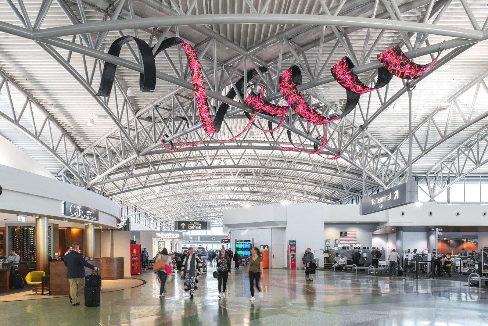 坦帕-国际机场——扩张——室内- 2 - 1900 - 1600 - x1069.jpg