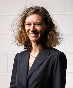 政策研究员-莫林·穆斯