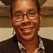 罗宾·桑德斯-董事会成员罗宾·桑德斯给董事会带来了企业管理的背景. 她在企业和非营利组织有丰富的市场营销、视听和媒体经验. 罗宾是BNN-TV的社区制作人, 以及WRBB-FM电台主持人兼制作人, 她专注于向社区传播信息.