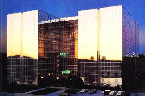 专业保险公司1988 -湖景能源中心1000室
