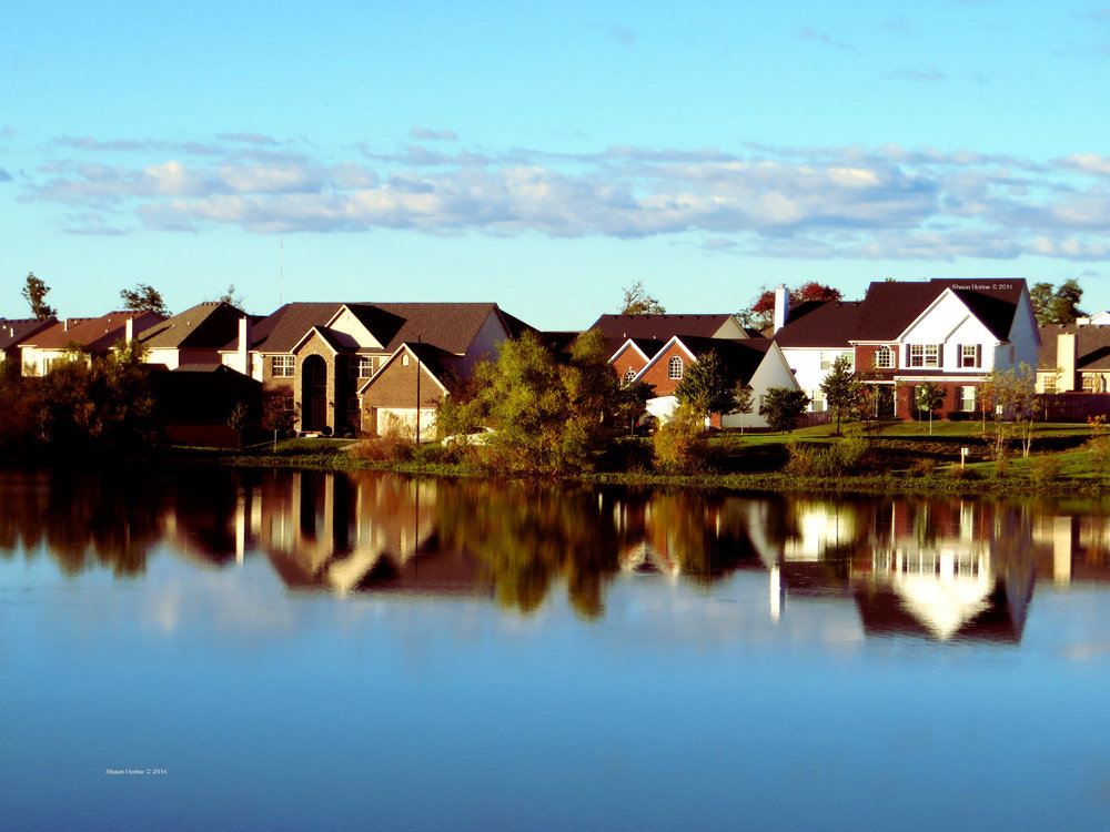 A great reflection in the neighborhood lake. Canon SX280 HS