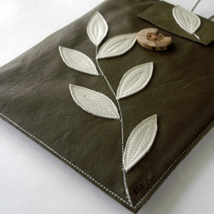 cream-green-leather-ipad-sleeve-detail.jpg