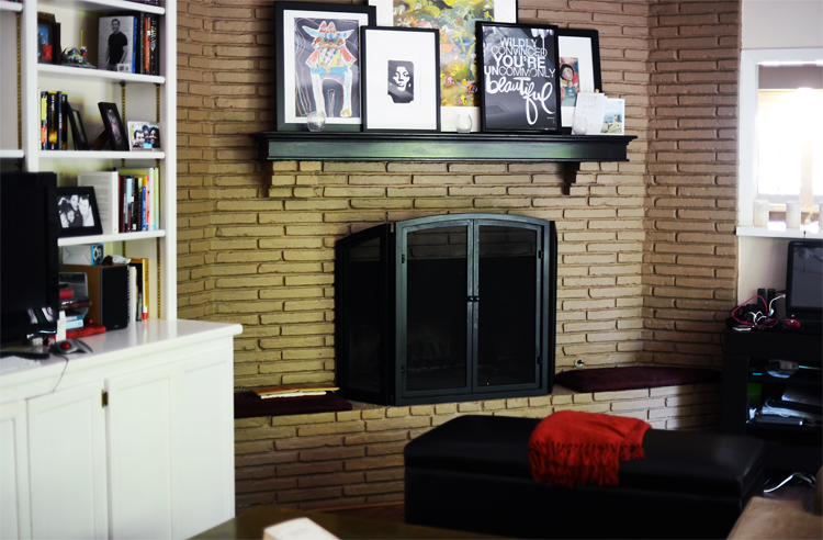 fireplacebefore.jpg