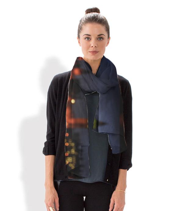 London light scarf
