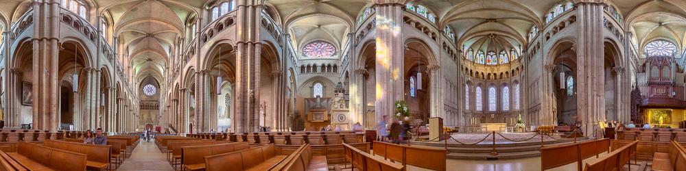 Primatiale Saint Jean De Lyon Cathedral