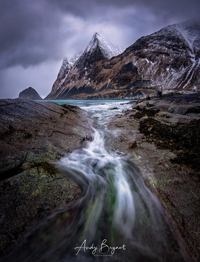 Flow on a grey day in Lofoten