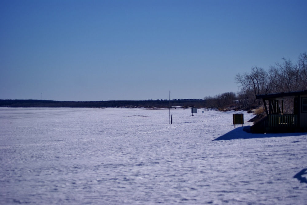 snow-covered beach and lake, the first time I had reason to use the polarizing filter to bring out the blue in the sky.