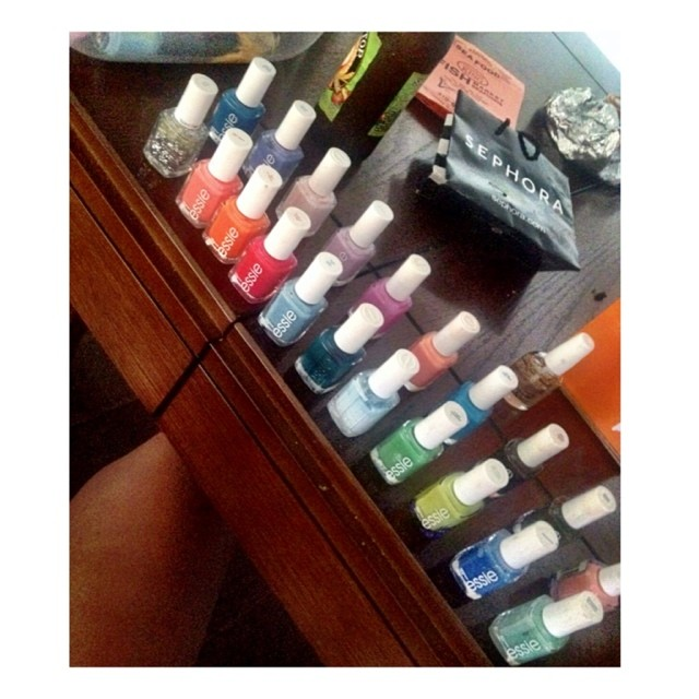 Which color?!?!!! Help. 😩😩