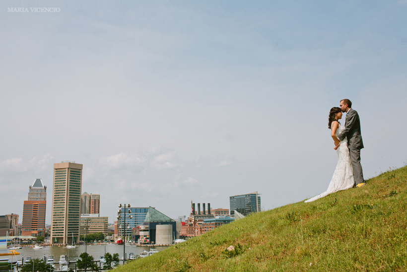 Wedding photography at Federal Hill Park by Maria Vicencio Photography