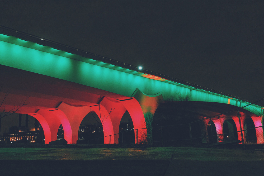 35W_Bridge_Christmas_2015