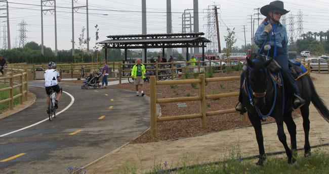 horse+cyclistread.jpg