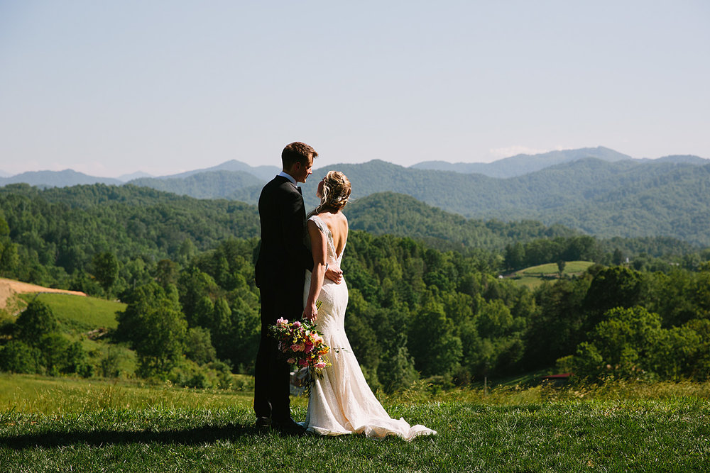 Jeremy-Russell-Asheville-The-Ridge-Wedding-1705-66.jpg