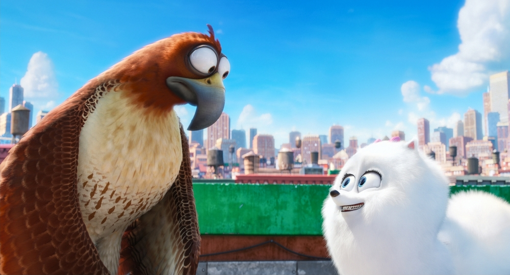 "Lonely Red-Tailed Hawk Tiberius (ALBERT BROOKS) and naïve but gutsy Pomeranian Gidget (JENNY SLATE) in Illumination Entertainment and Universal Pictures' ""The Secret Life of Pets,"" a comedy about the lives our pets lead after we leave for work or school each day."