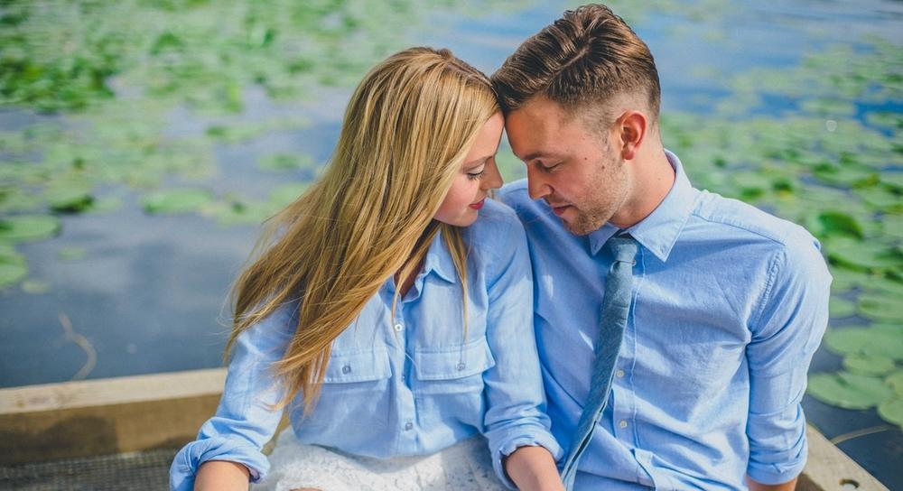 Engagement-poses.jpg