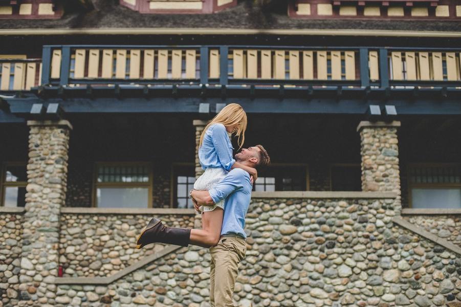 Engagement-poses-7.jpg