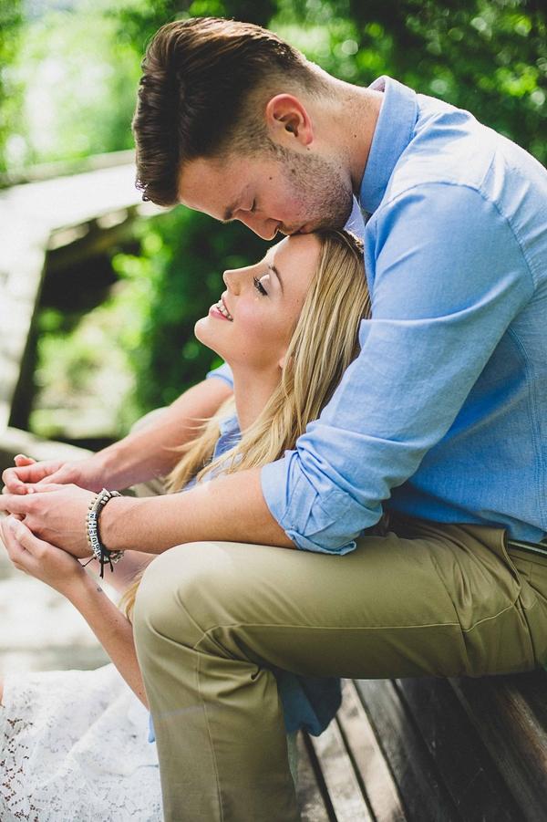Engagement-poses-8.jpg