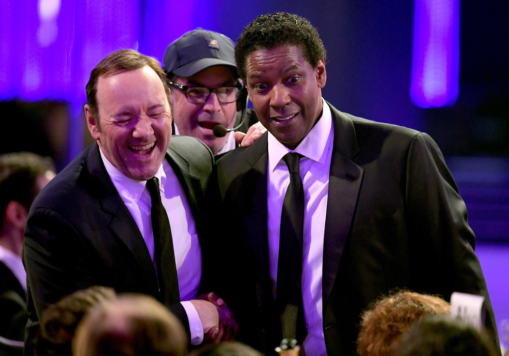 LOS ANGELES, CA - JANUARY 29:  Actors Kevin Spacey (L) and Denzel Washington speak during The 23rd Annual Screen Actors Guild Awards at The Shrine Auditorium on January 29, 2017 in Los Angeles, California. 26592_014  (Photo by Kevin Winter/Getty Images ) *** Local Caption *** Kevin Spacey, Denzel Washington