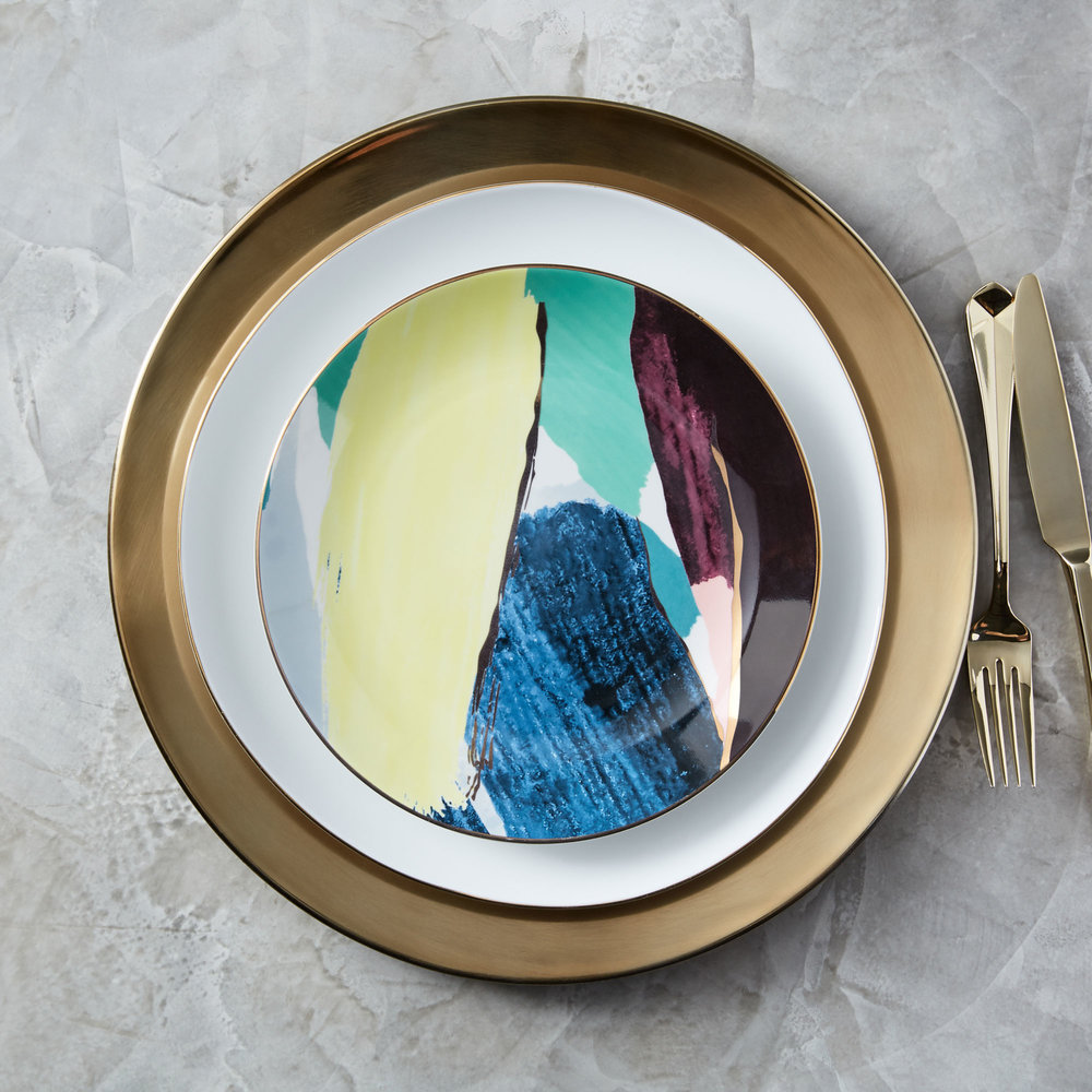 221662064f-WE---Abstract-Brushstroke-Salad-Plate,-Green-+-Yellow-+-Gold-(lifestyle).jpg