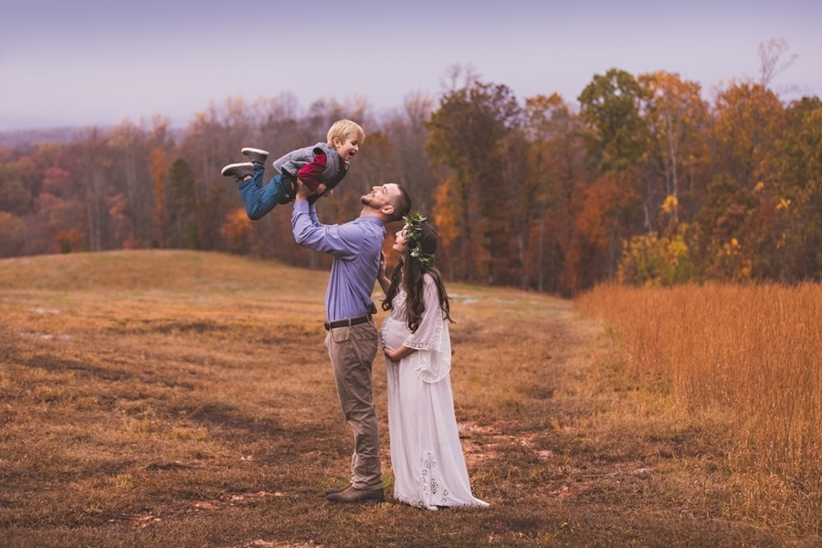 Vaughan_MeganVaughanPhotography_LynchburgMaternityPhotographer0033_low.jpg