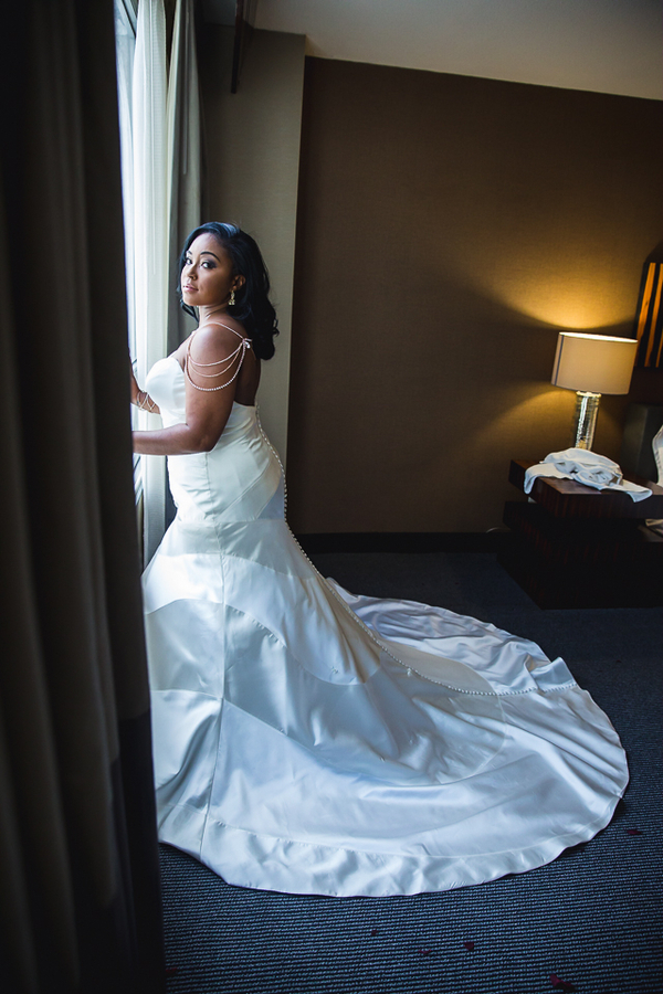 Smith_Webster_JudahAvenue_SiennaandKevinweddingatTheCapitolViewat400inWashingtonDCweddingphotographerindc34_low.jpg