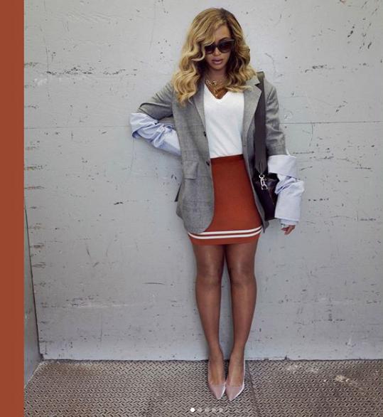 The perfect blazer & skirt. -