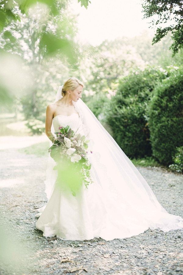 RedBoatPhotography_CamrysBridalSessionforsubmission18_low.jpg