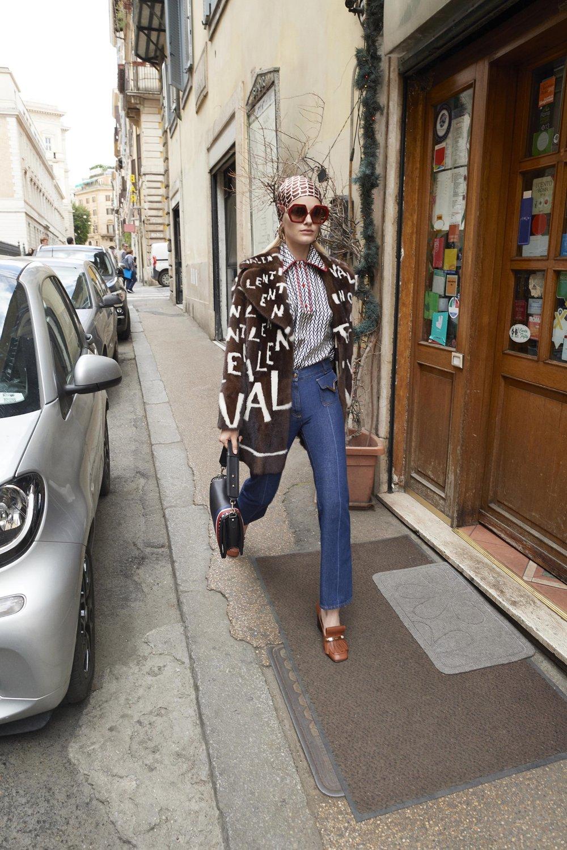 Valentino_31_3c_valentino_resort_2019_31.jpg