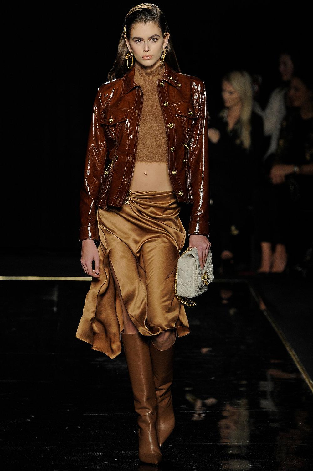 Versace_1_c1_versace_runway_runway_00001.jpg