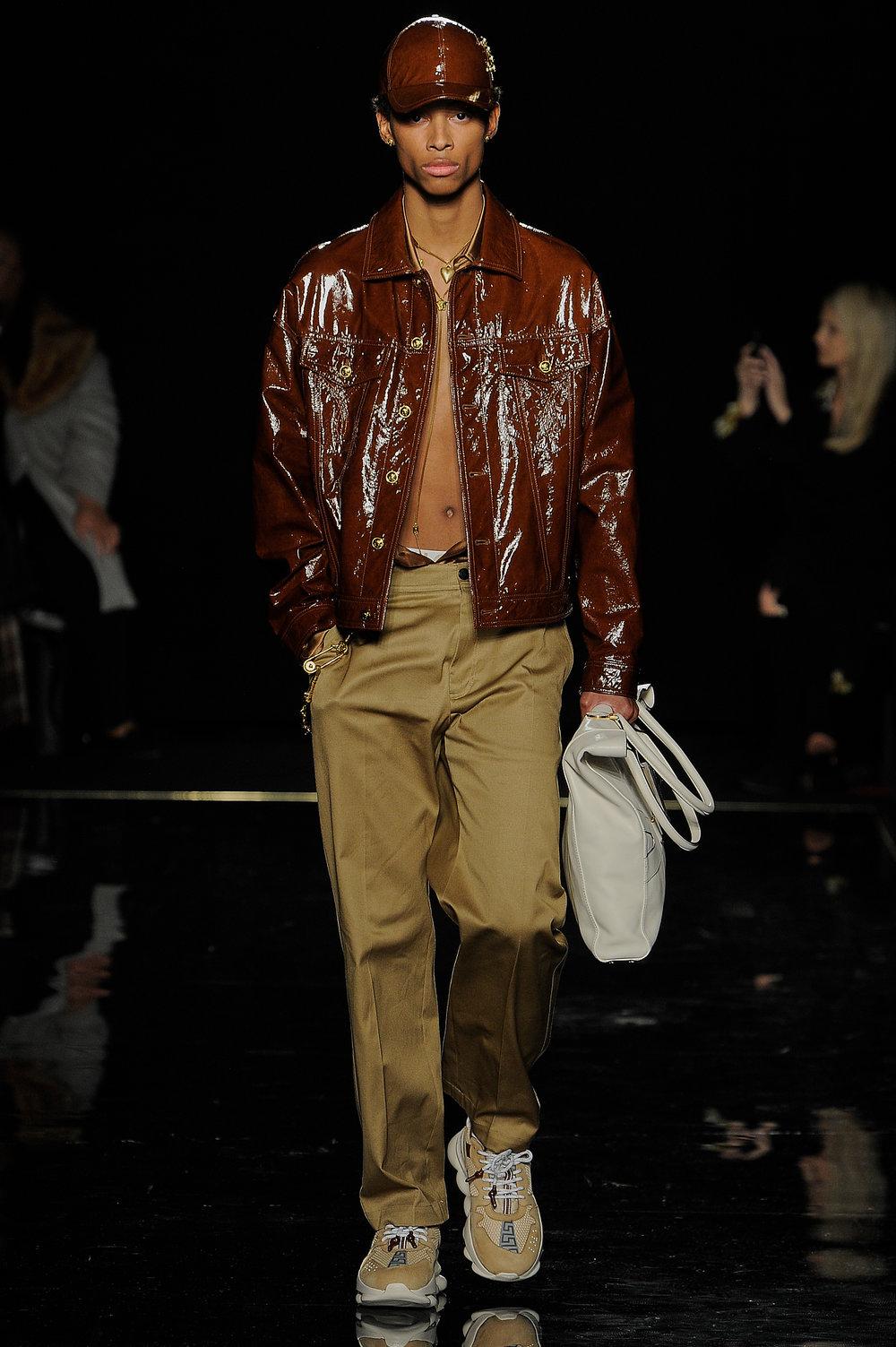 Versace_4_78_versace_runway_runway_00004.jpg