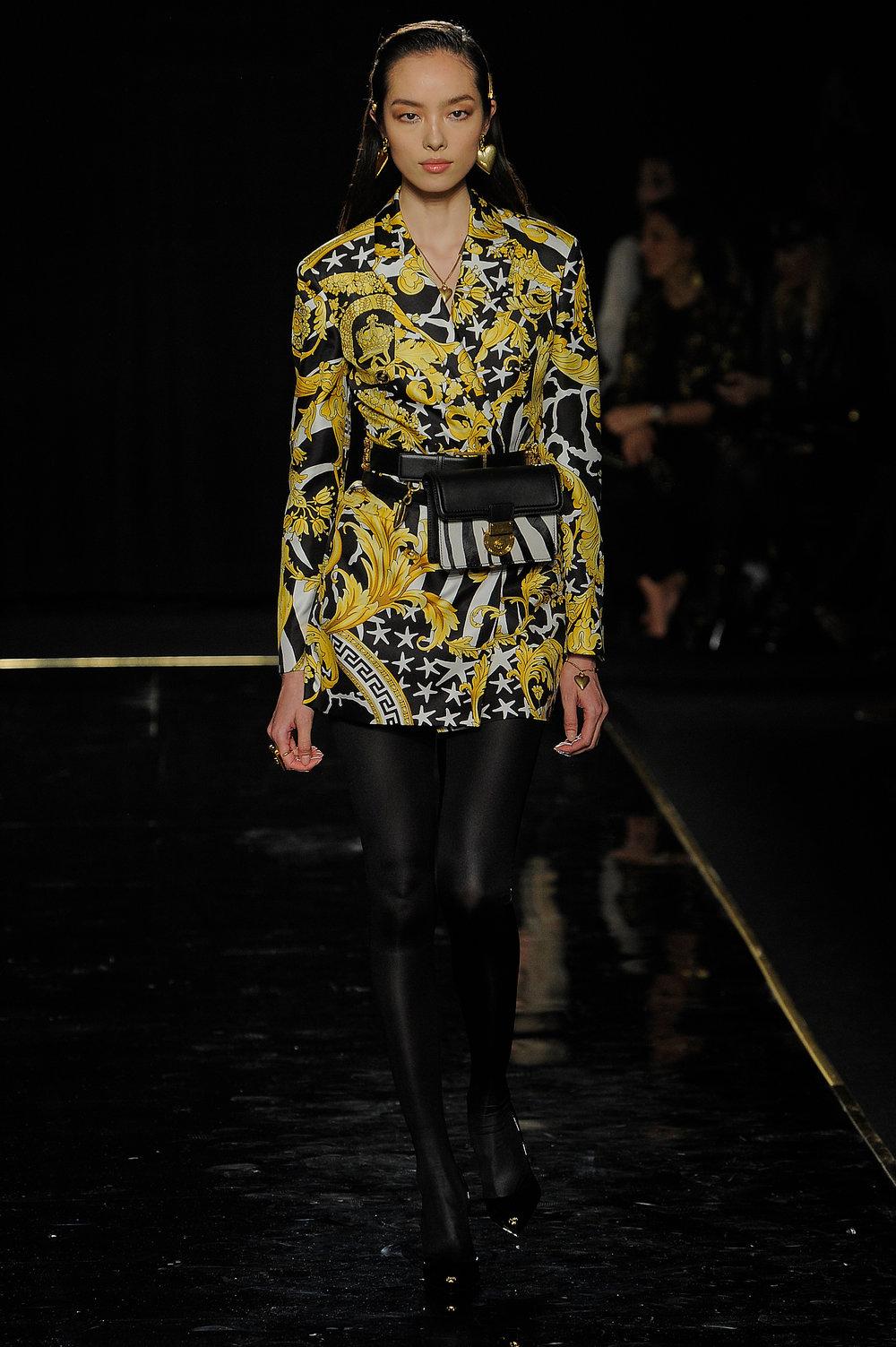 Versace_7_33_versace_runway_runway_00007.jpg