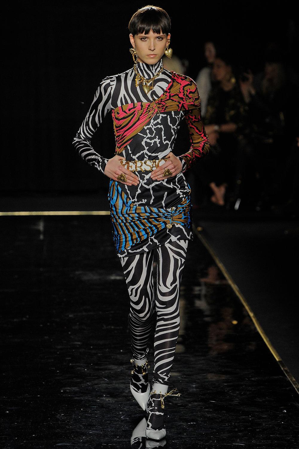 Versace_28_dc_versace_runway_runway_00028.jpg