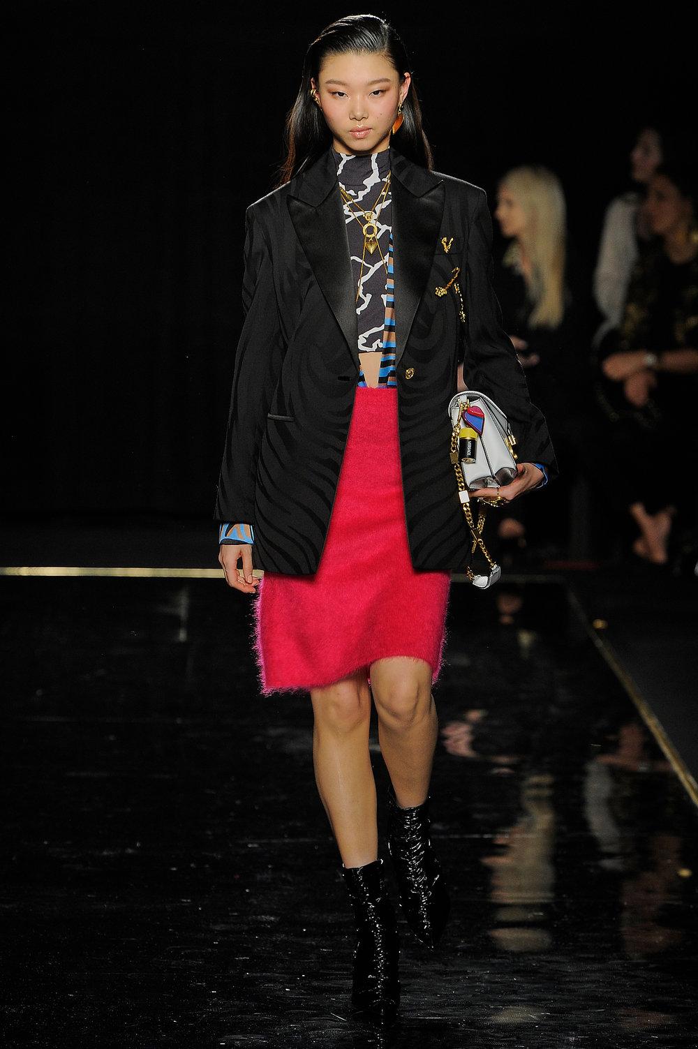 Versace_32_75_versace_runway_runway_00032.jpg
