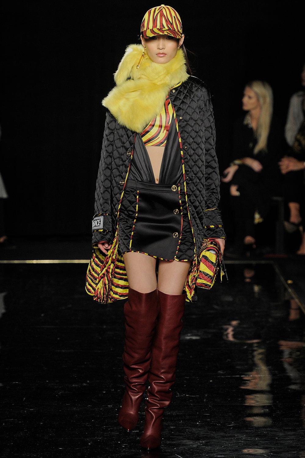 Versace_44_14_versace_runway_runway_00044.jpg
