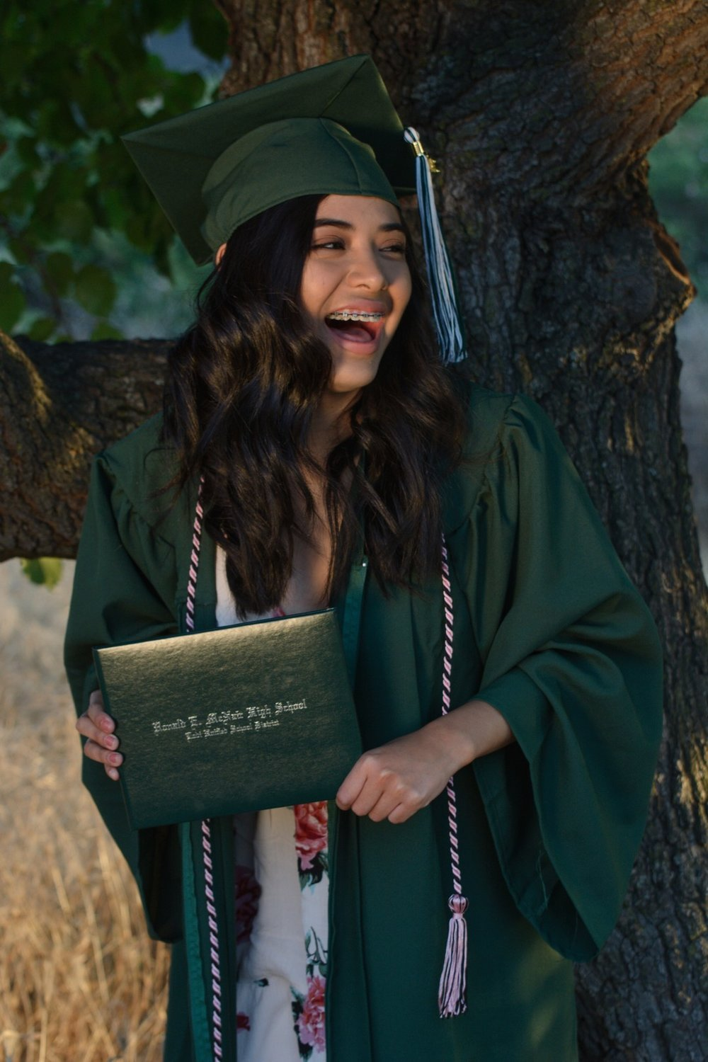 High School graduate, Isabella of ca - Photography by JessShootMeCongratulations Isabella!