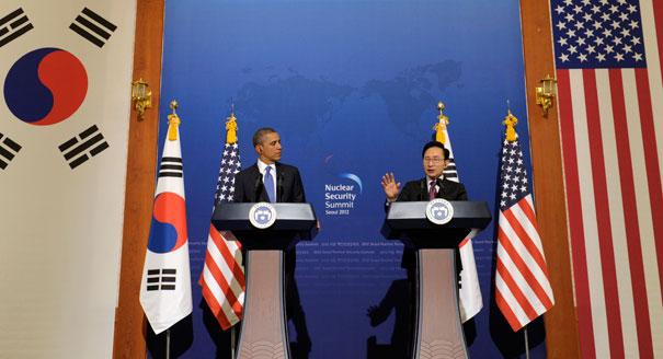Obama Korea trip: President warns North Korea...