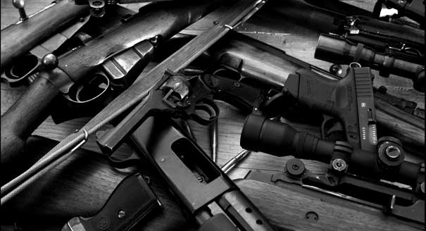 guns-weapons_00322978.jpg